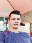 Yoo dragos, 34  , Bucharest
