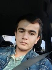Zukhriddin, 20, Russia, Moscow