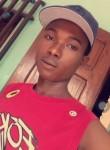 Jikof Barry, 21  , Dakar