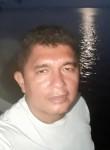 Luis, 40  , Cameta