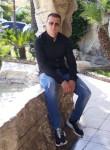 Antoniorusso, 43  , Napoli
