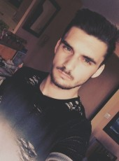 romainM, 21, France, Eyguieres