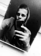 Nik, 19, Ukraine, Kiev