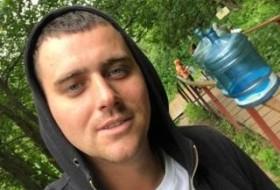 Pavel , 30 - Just Me