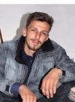 Alban, 20  , Pristina