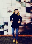 Nikita, 24  , Bagnols-sur-Ceze