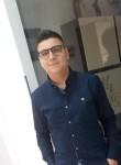 Lorenzo , 19  , Modica