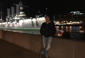 Roman, 33 - Just Me