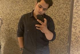 Yash. yas, 18 - Just Me