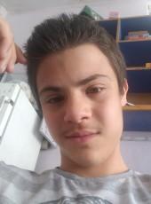 Omar, 18, France, Paris