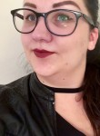 Liz, 21  , Kelowna