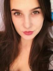 Alyena, 18, Kyrgyzstan, Bishkek