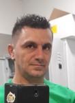 Thomas, 37  , Verona