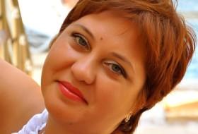 Dina, 49 - Just Me