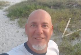 paul, 53 - Just Me