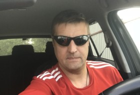 Igor, 42 - Just Me