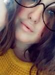 Lea, 22  , Vannes