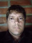 Yairo, 35, Medellin