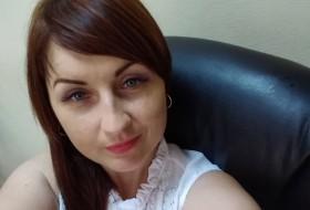Alla, 35 - Just Me